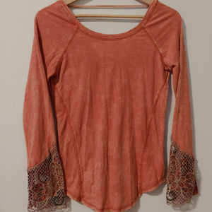 NWT Embroidered Long Sleeve GIMMICKS By BKE Henley